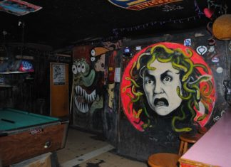best dive bars in Houston